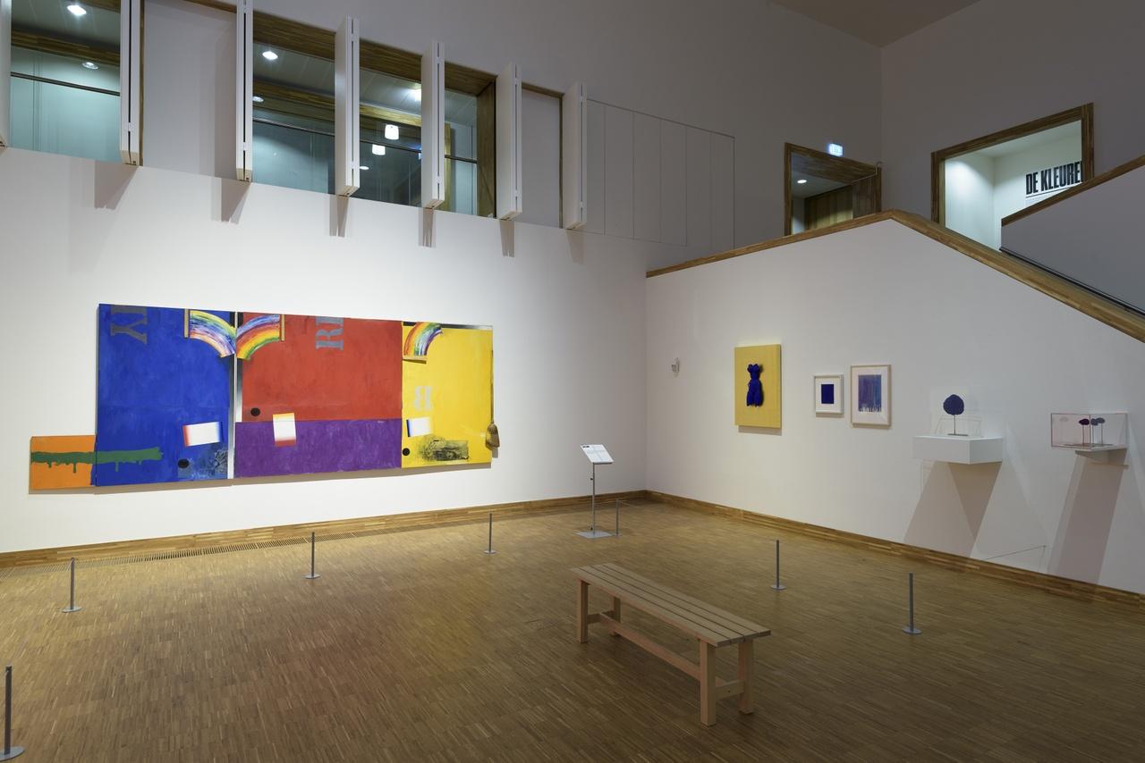 Zaaloverzicht De kleuren van De Stijl met Jasper Johns en Yves Klein