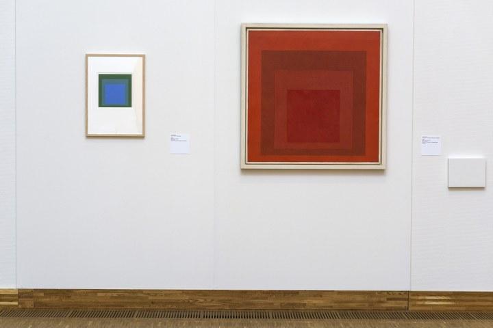 Overzicht De kleuren van De Stijl met werk van Josef Albers