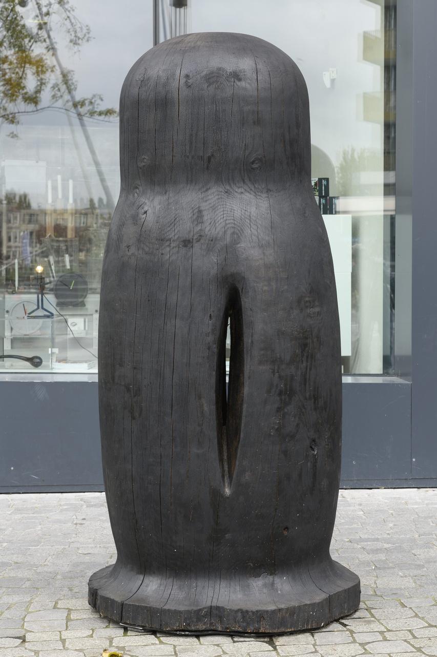 Maria Roosen, Widow  II (zwart), 2017