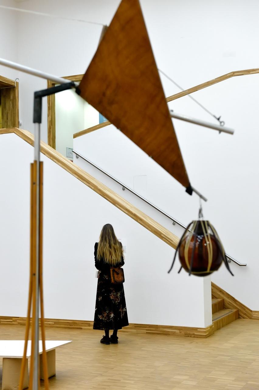 Gerrit van Bakel, Vogeltje, het regenevenwicht, 1982