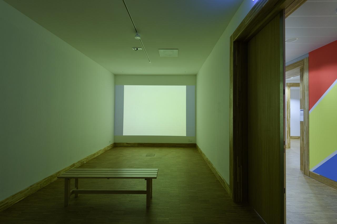 Jeroen de Rijke en Willem de Rooij, Orange, 2006, 81 dia's, courtesy Galerie Buchholz, Keulen, Duitsland