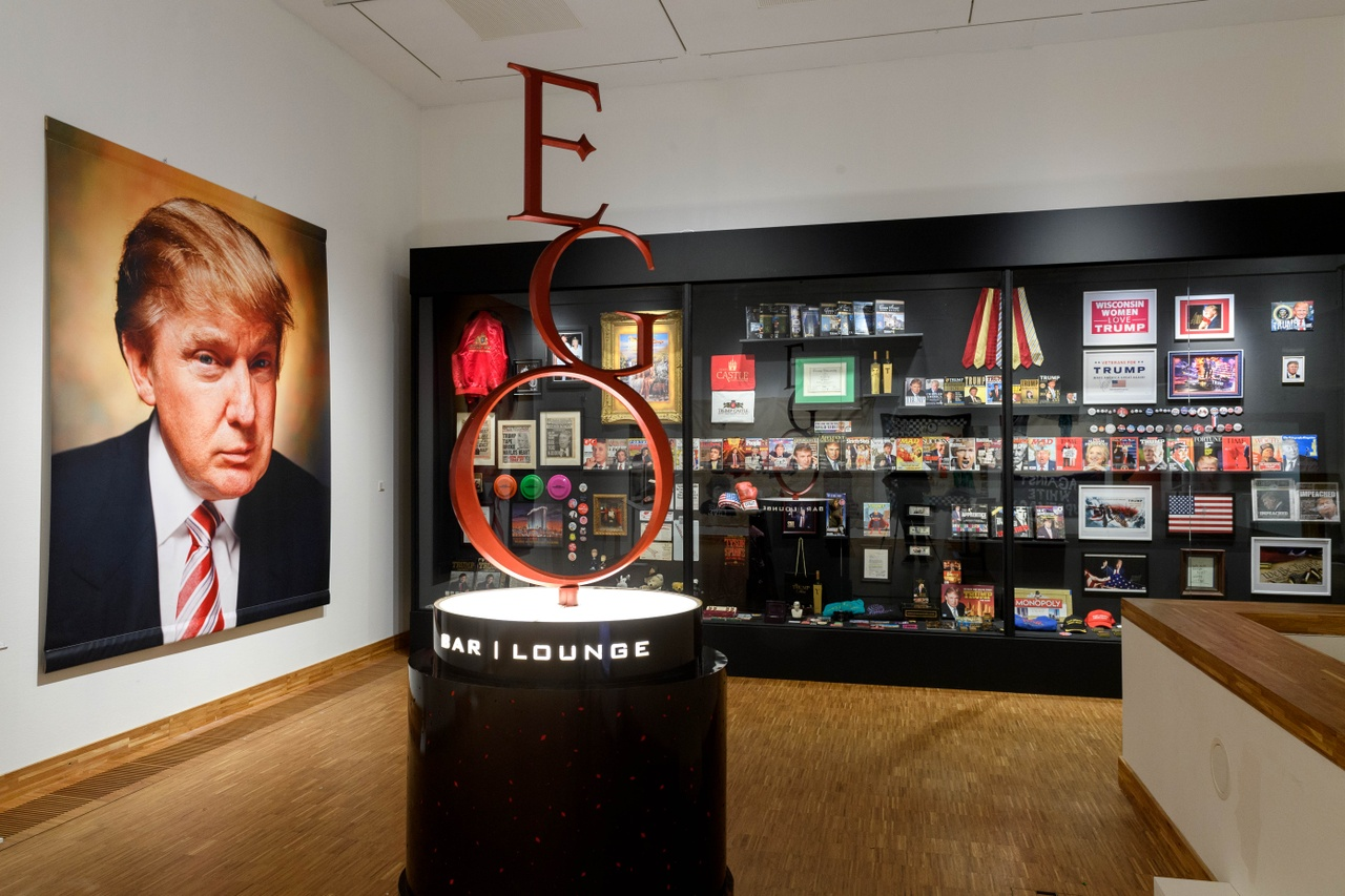 Andres Serrano, The Game All Things Trump, 2019, Photo Mike Bink for Kunsthal KAdE.jpg