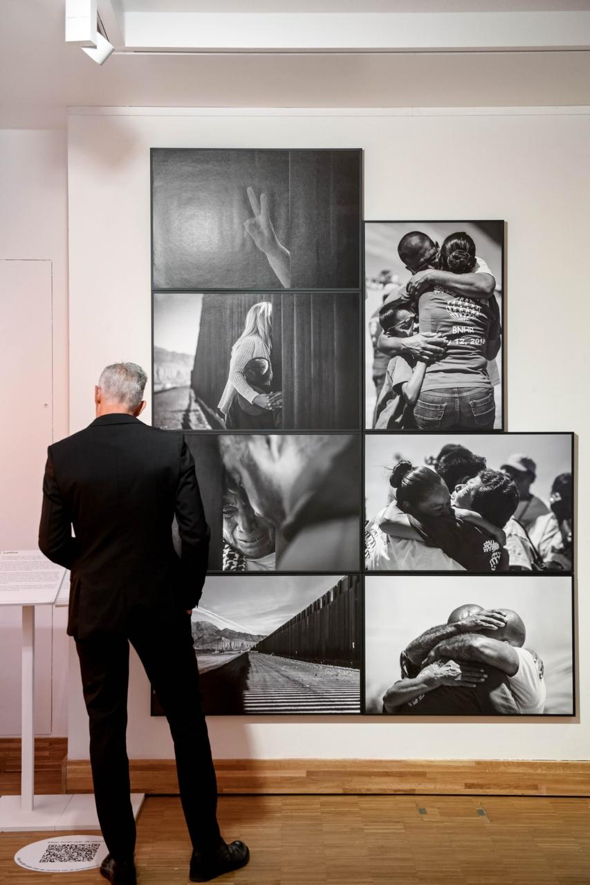 Monica Lozano, Hugs not Walls, 2018. Photo Mike Bink for Kunsthal KAdE.jpg