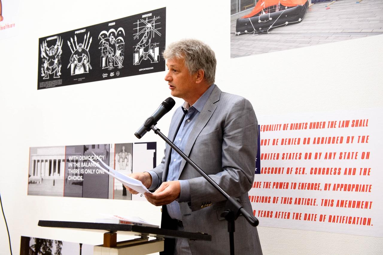 Opening This Is America, director Kunsthal KAdE & curator Robbert Roos, Photo Mike Bink.jpg