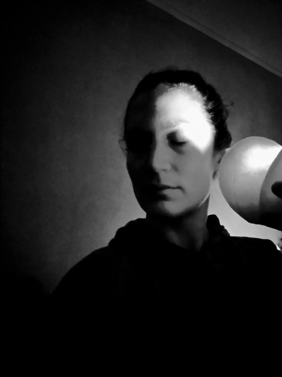 WINNAAR 2 Hiske Kremer ronde kaars, hoekig licht.jpg