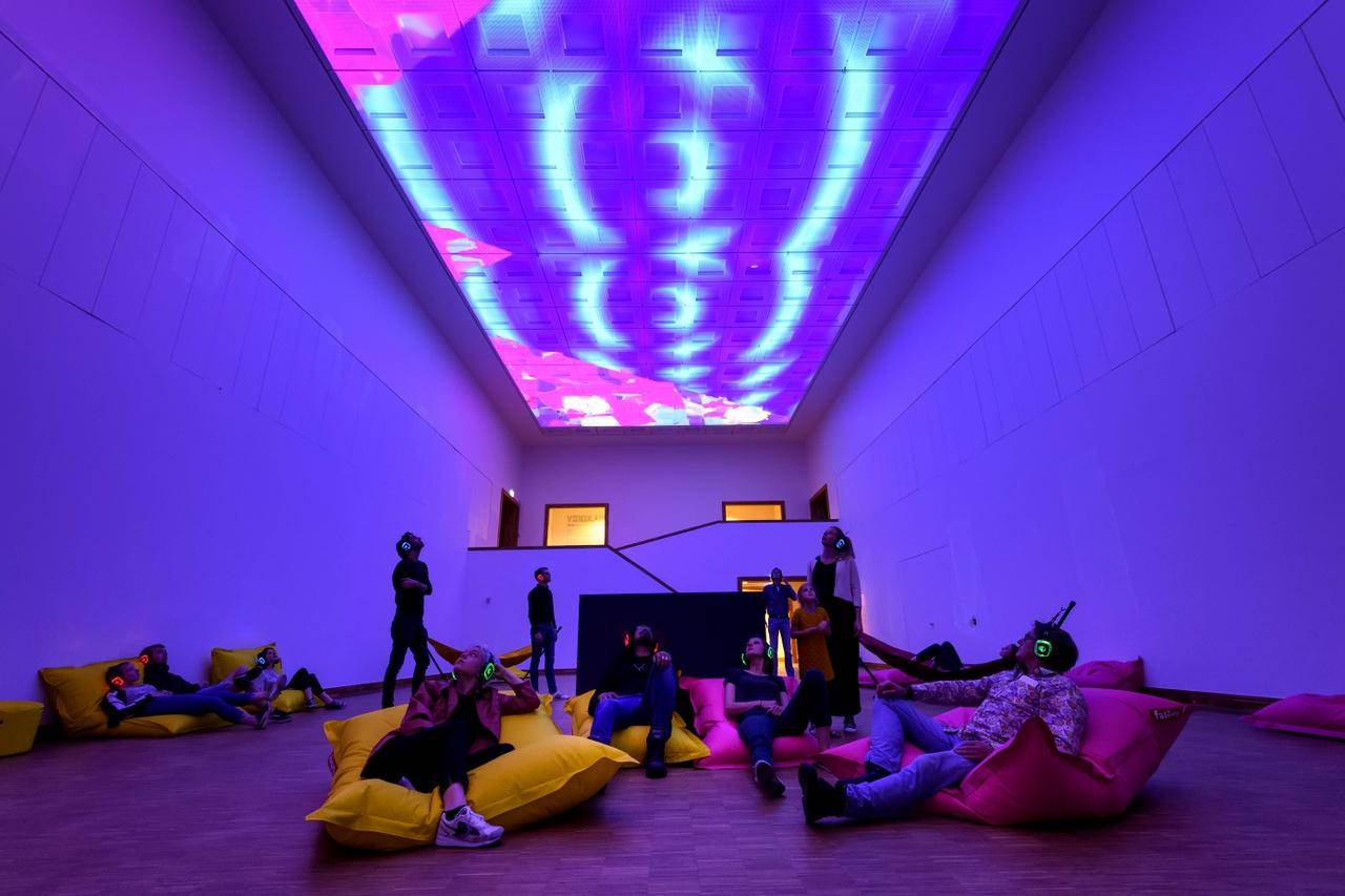 assume vivid astro focus in de grote zaal. Kunsthal KAdE 2019. Foto Mike Bink (5).jpg