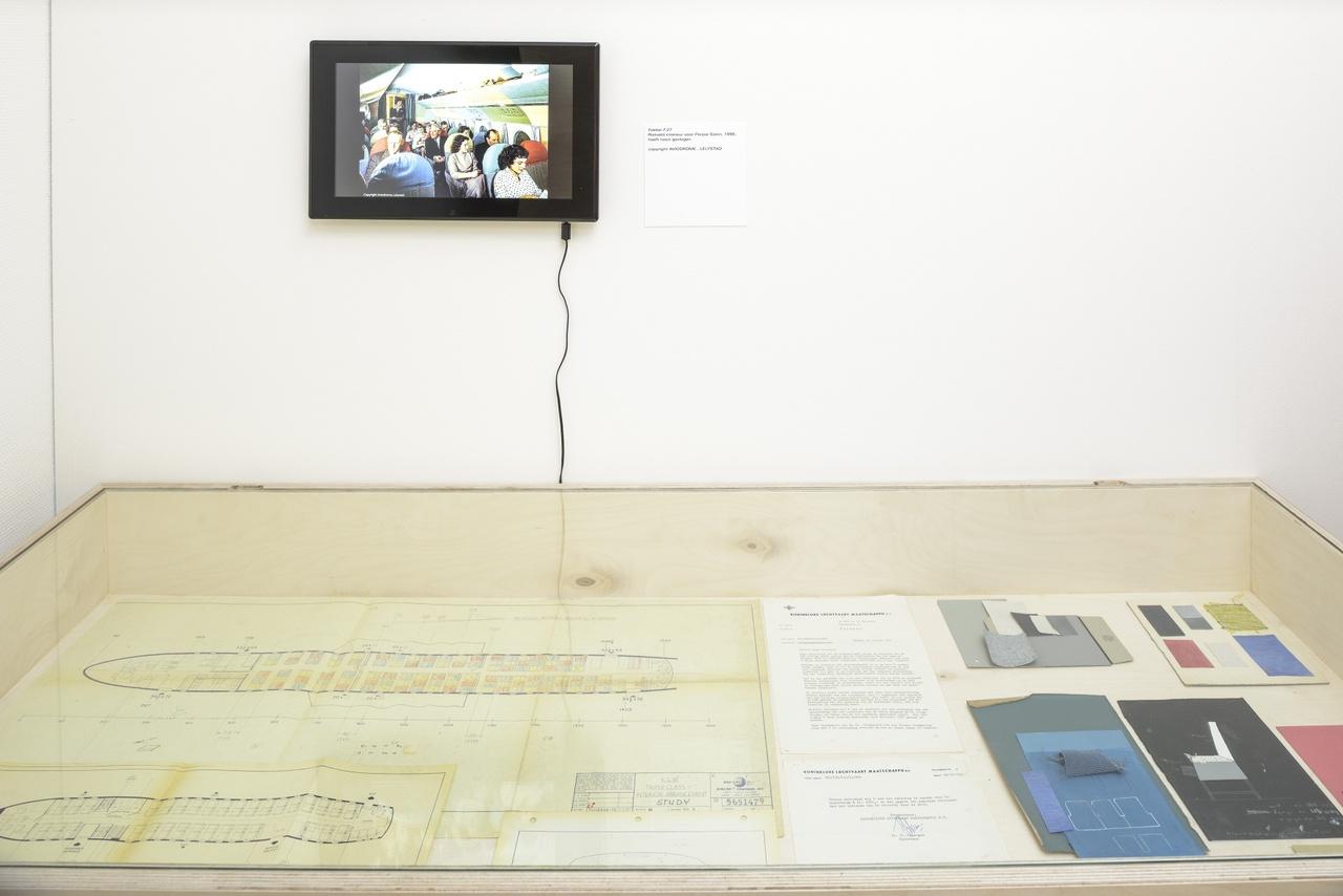 Ontwerp vliegtuiginterieur door Gerrit Rietveld