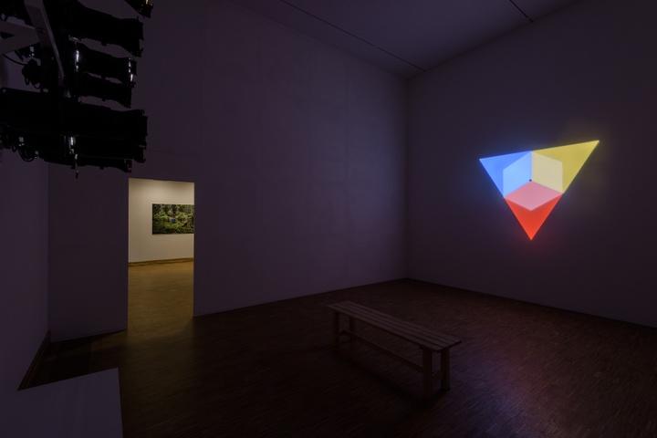Olafur Eliasson, Ephermeral Afterimage Star, 2008, courtesy Tanja Bonakdar Gallery, New York, Verenigde Staten. Photo: Peter Cox for Kunsthal KAdE