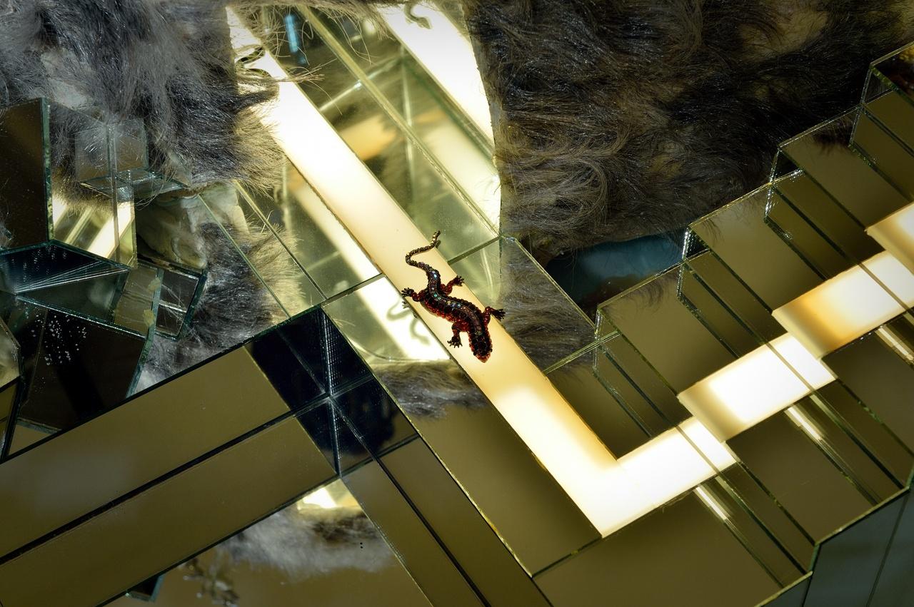 Detail van David Altmejd, The Builders, 2005