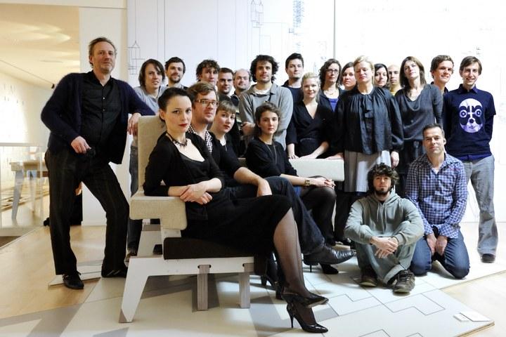 Studio Makkink & Bey 'Happy Families'