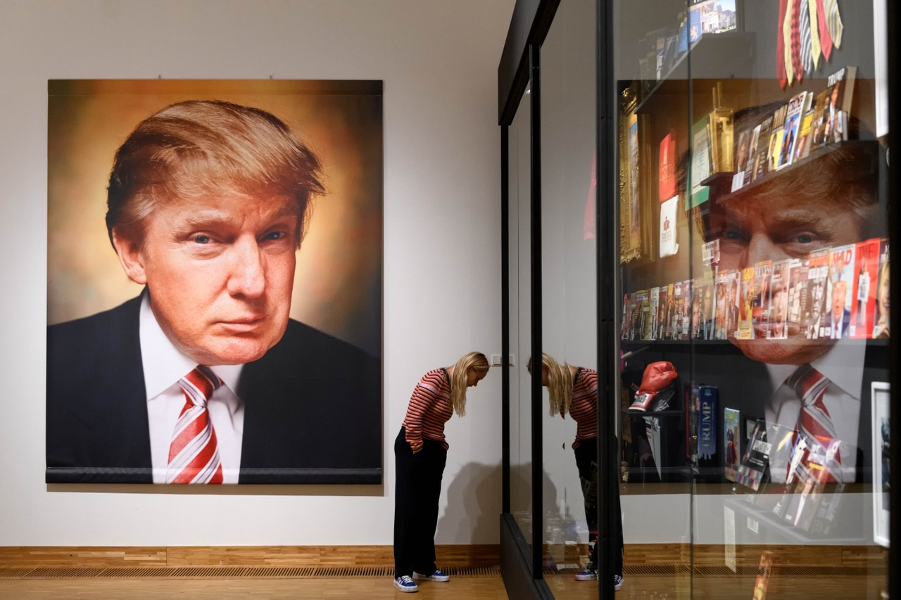 25. Andres Serrano, The Game All Things Trump, 2019. Photo Mike Bink for Kunsthal KAdE.jpg