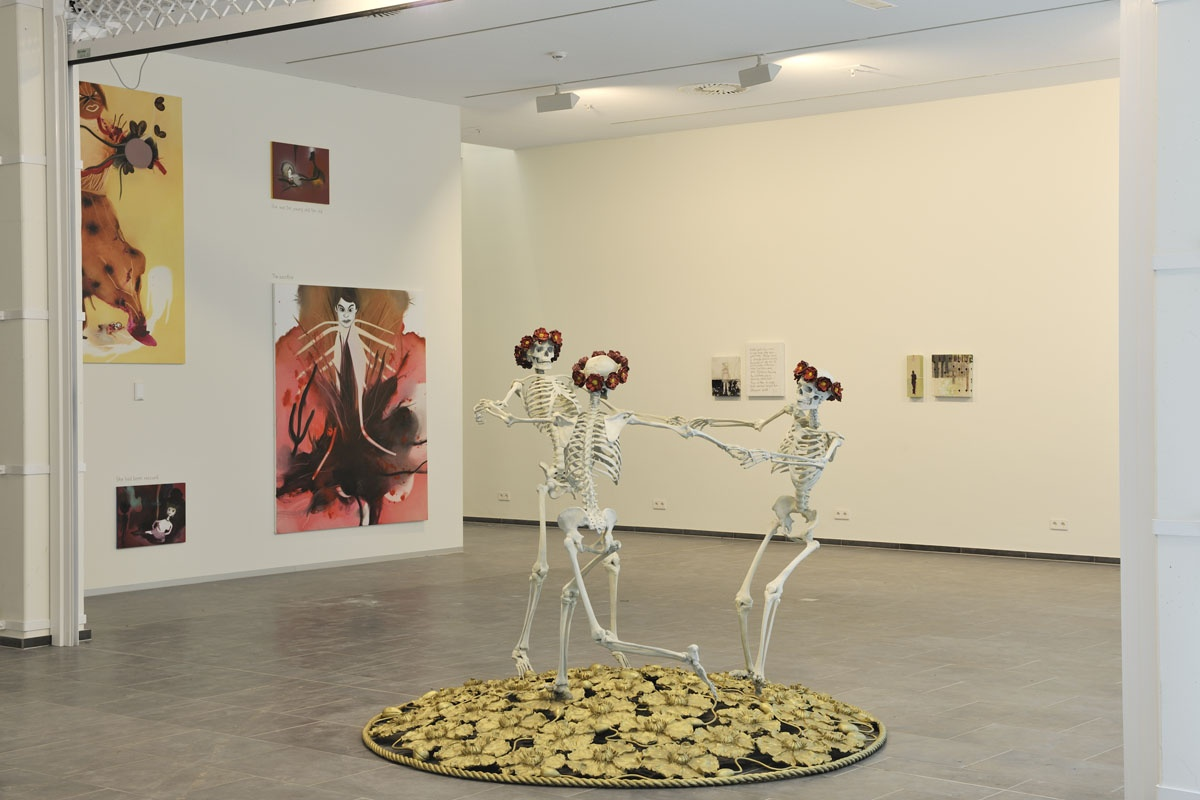 Liz Craft, Dancing Skeletons, 2008